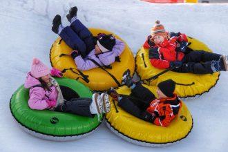 gommoni Nevelandia giochi sulla neve