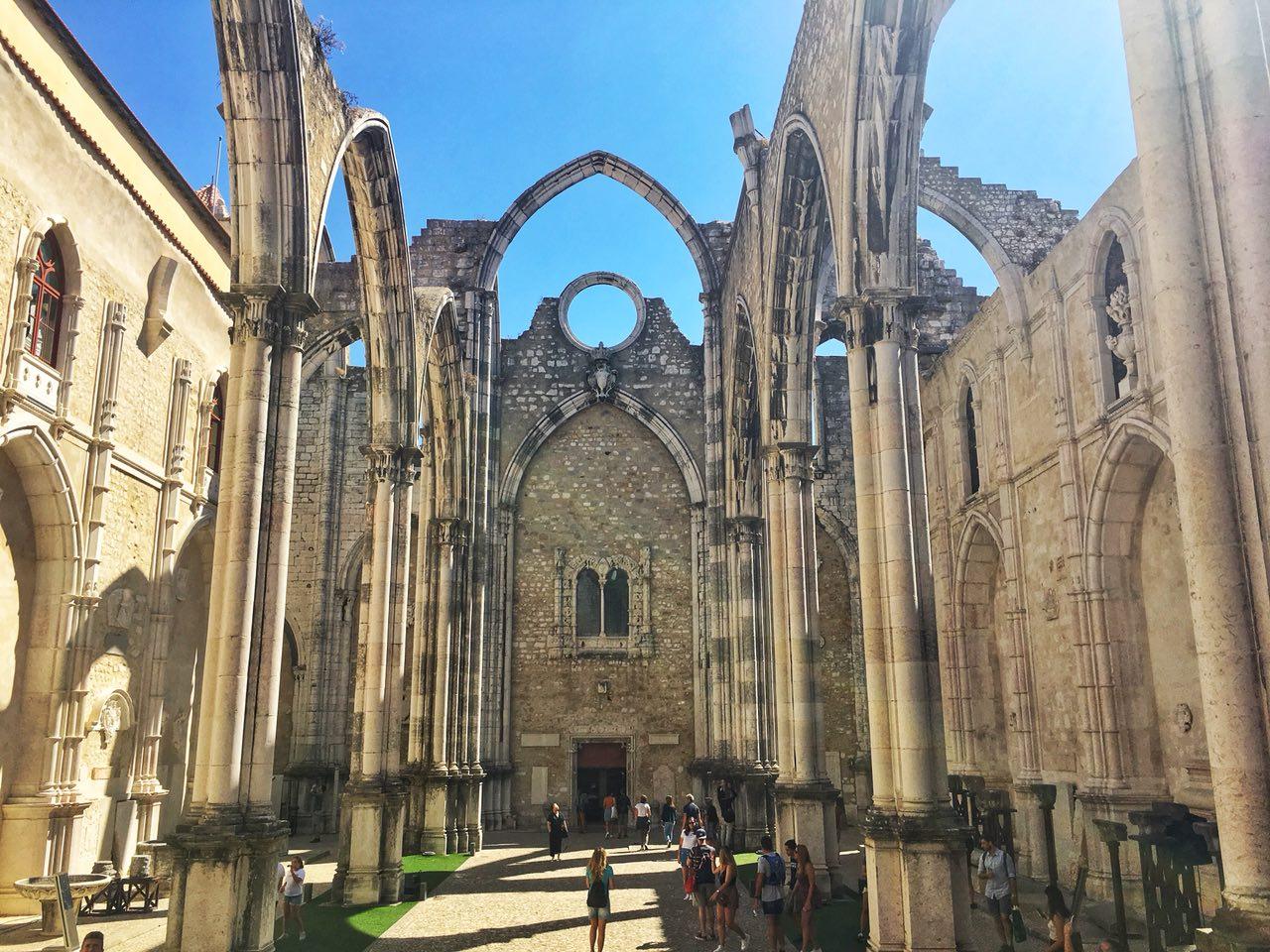 cosa vedere a lisbona: rovine chiesa del carmo