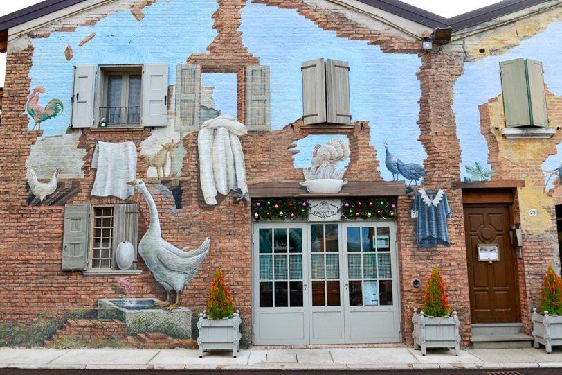 murales fiabeschi in emilia romagna
