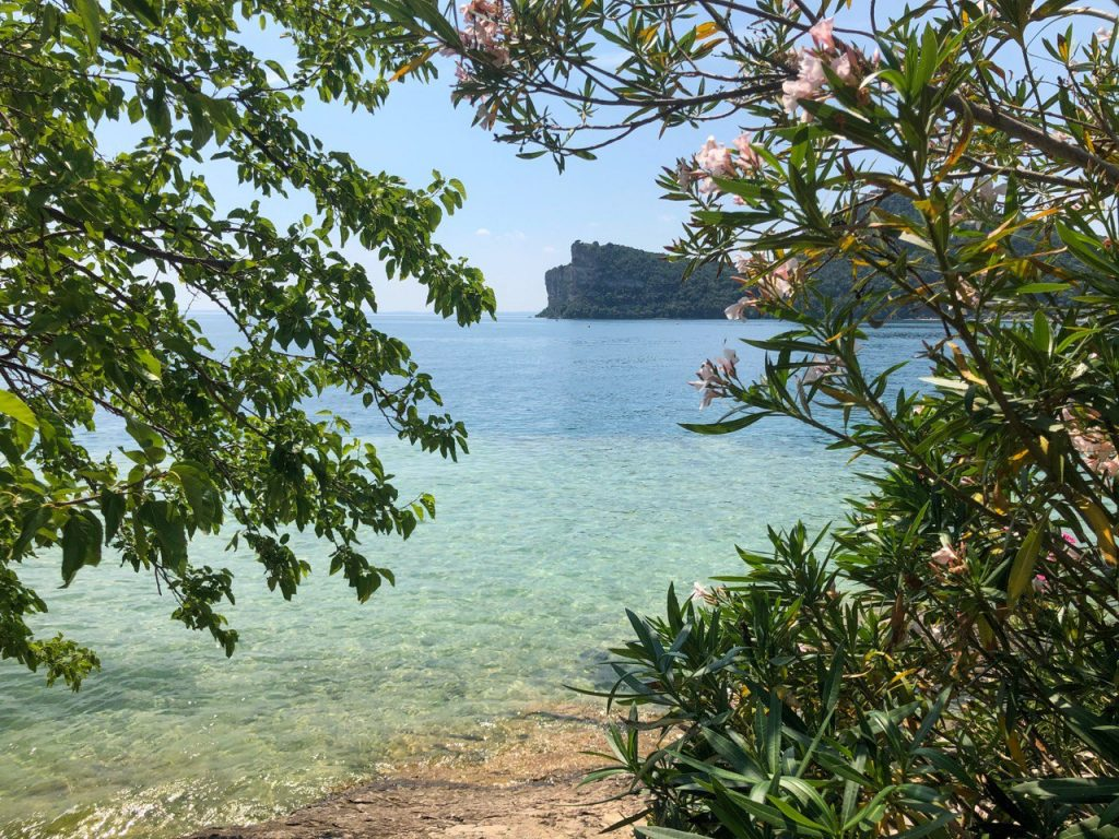 acqua super trasparente lago di garda