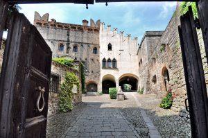 scorcio del castello di monselice dal cancello d'ingresso